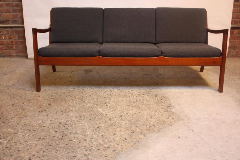 Ole Wanscher Teak Senator Sofa for France & Son In Excellent Condition For Sale In Brooklyn, NY