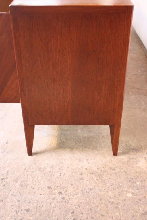 John Stuart Bookmatched Walnut Credenza In Good Condition For Sale In Brooklyn, NY