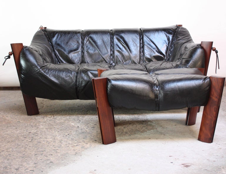 Percival Lafer MP-211 Jacaranda and Leather Two-Seat Sofa with Ottoman In Good Condition For Sale In Brooklyn, NY