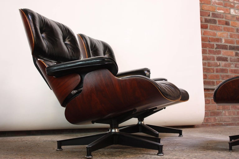 Pair Of Vintage Rosewood Eames 670 Lounge Chairs With