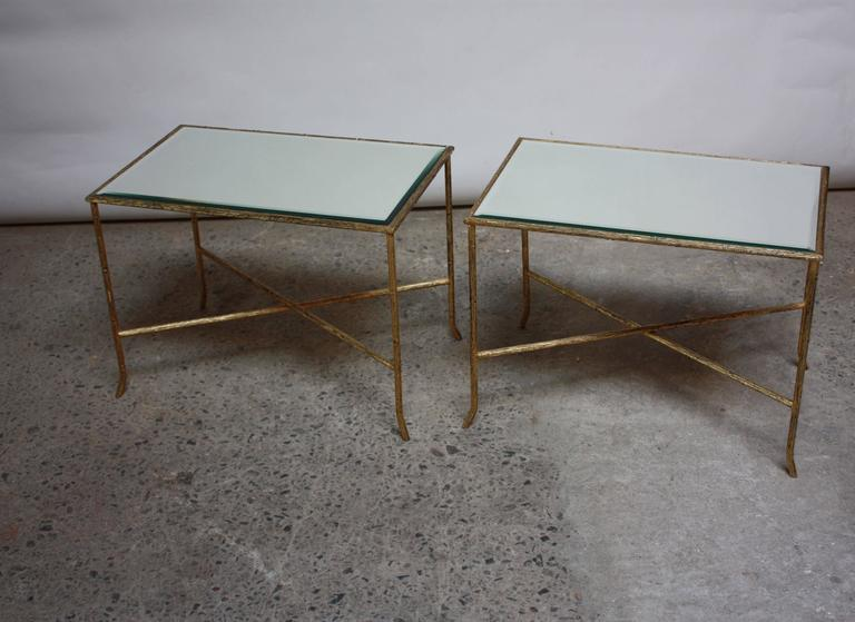 Hollywood Regency Pair of Italian Gilded X-Base Side Tables with Mirror Tops For Sale