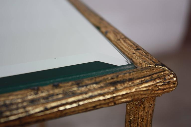 Pair of Italian Gilded X-Base Side Tables with Mirror Tops In Good Condition For Sale In Brooklyn, NY