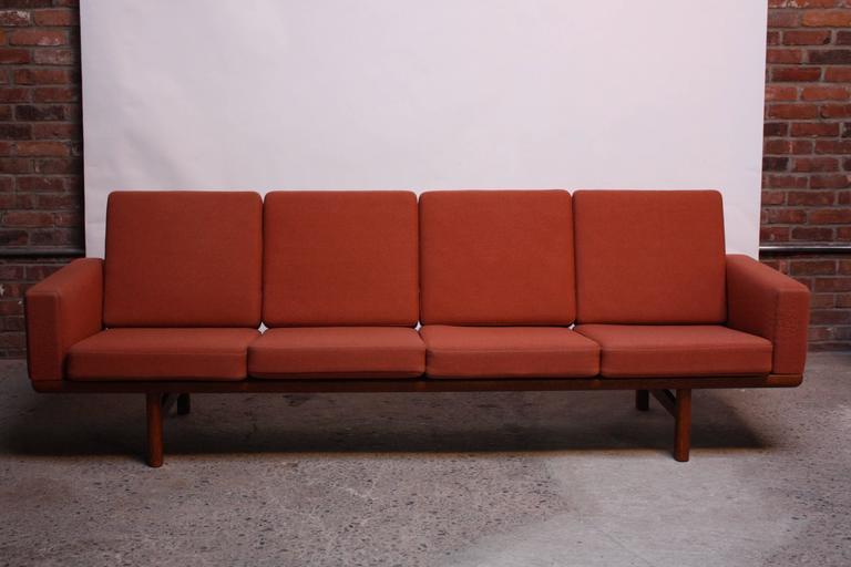Hans Wegner for GETAMA Sofa 9