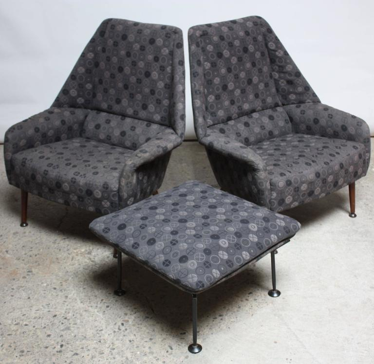 Mid-Century Modern Pair of Ernest Race Lounge Chairs and Ottoman in Eames Upholstery For Sale