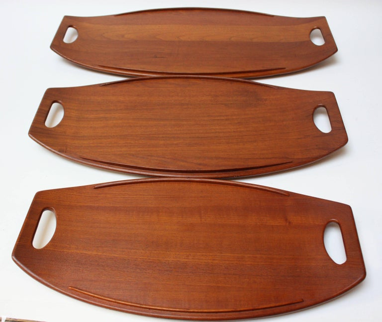 Nest of Three Staved Teak Serving Trays by Jens Quistgaard for Dansk In Good Condition For Sale In Brooklyn, NY