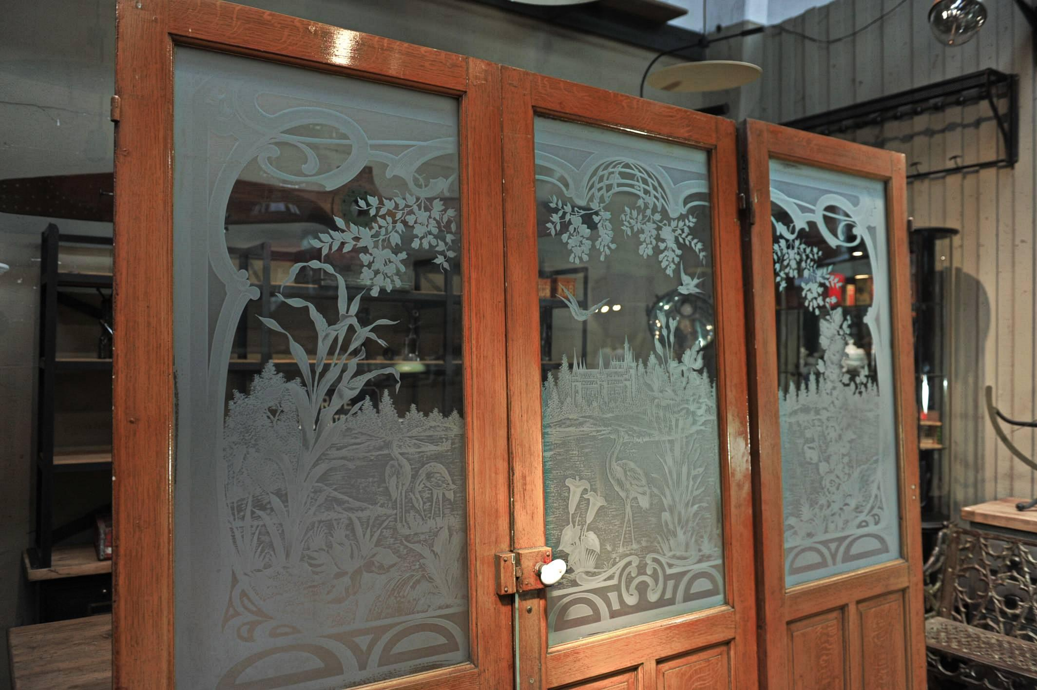 Attirant Early 20th Century Set Of Three French Art Nouveau Craved Glass Inside Doors,  Circa 1900