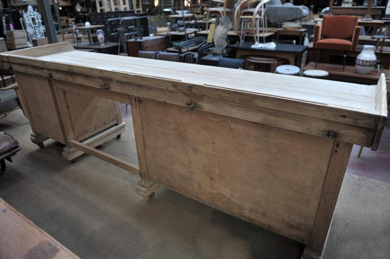 Exceptional Long Baker Work Table with 9 Drawers, circa 1920 For Sale 5