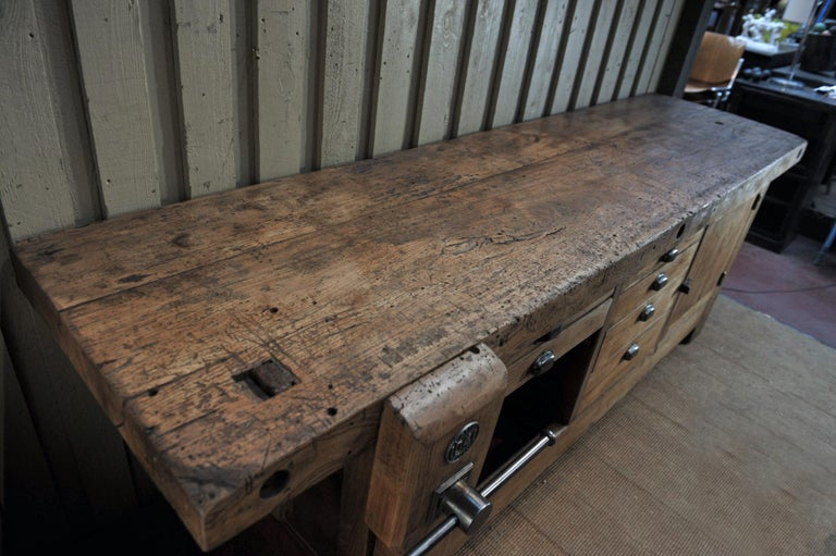 Early 20th Century Large Carpenter Workbench with Vice 6 Drawers and 1 Door, circa 1920 For Sale