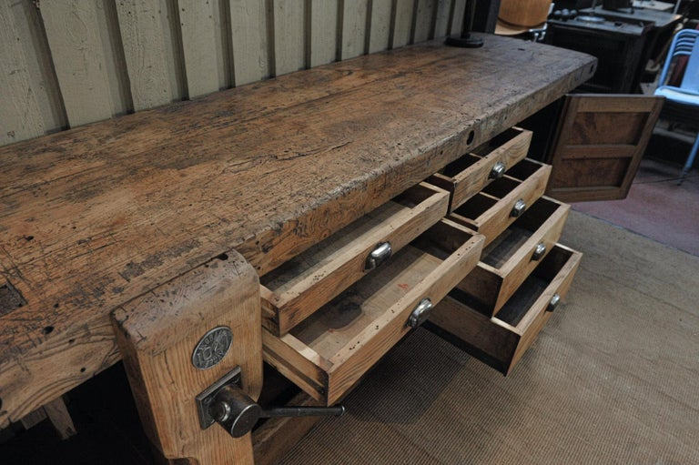 Large Carpenter Workbench with Vice 6 Drawers and 1 Door, circa 1920 For Sale 4