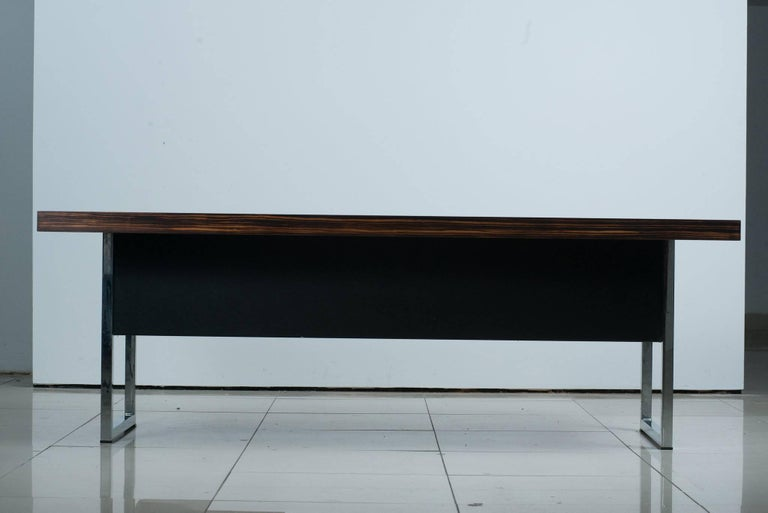 1960s Rosewood Executive Desk by Gordon Russell Ltd In Good Condition For Sale In Glendale, CA
