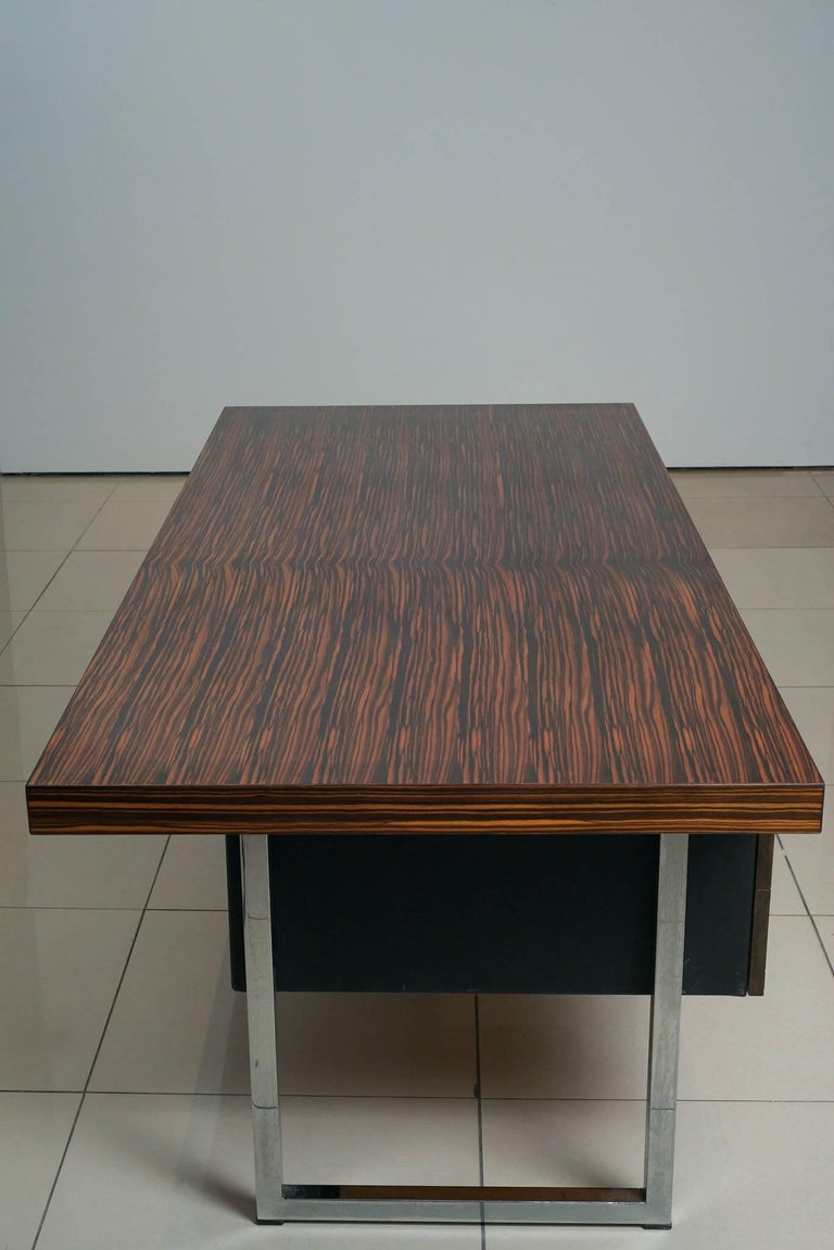 English 1960s Rosewood Executive Desk by Gordon Russell Ltd For Sale