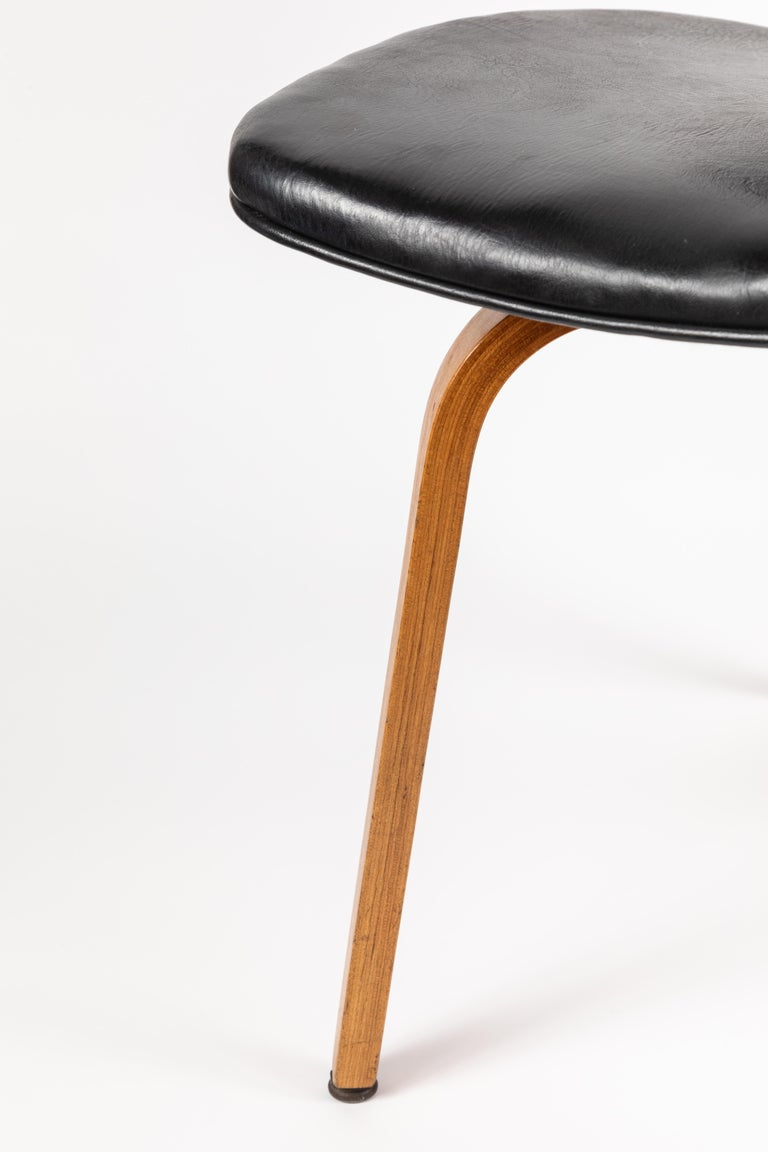 Set of Five 1950s Thonet Bentwood Chairs For Sale 4