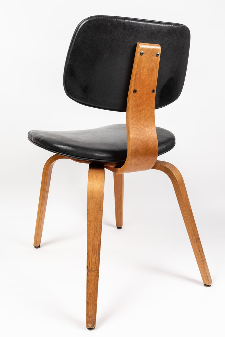 Set of Five 1950s Thonet Bentwood Chairs For Sale 1