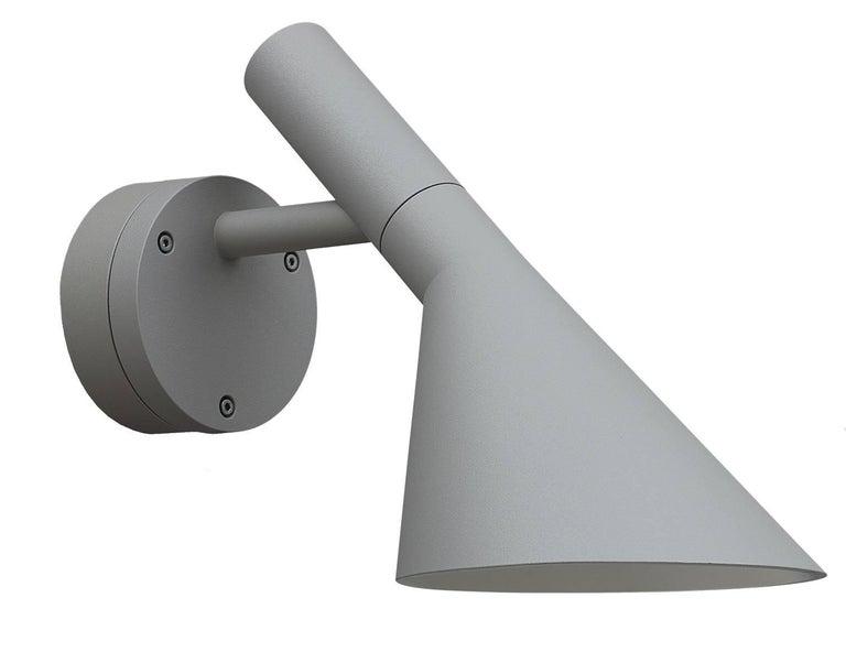 Scandinavian Modern Arne Jacobsen AJ 50 Outdoor Wall Light for Louis Poulsen in White For Sale
