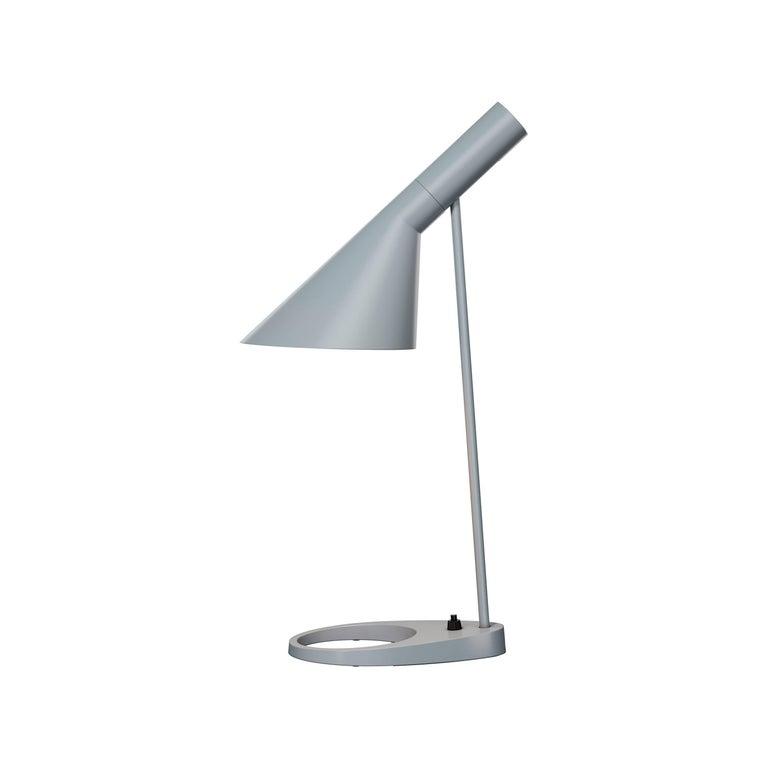 Arne Jacobsen AJ Table Lamp in Dark Green for Louis Poulsen For Sale 3
