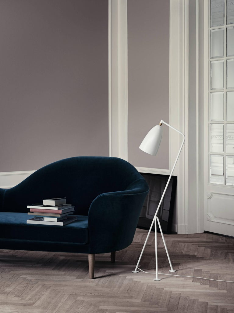 Greta Magnusson Grossman 'Grasshopper' Floor Lamp in Warm Gray For Sale 2