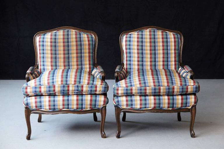 Pair of French Louis XV Style Bergères Upholstered in Madras Check Chintz Fabric In Good Condition For Sale In Westport, CT