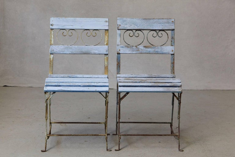 Set of Four French Wrought Iron Garden Chairs with Blue Wooden Slats For Sale 2