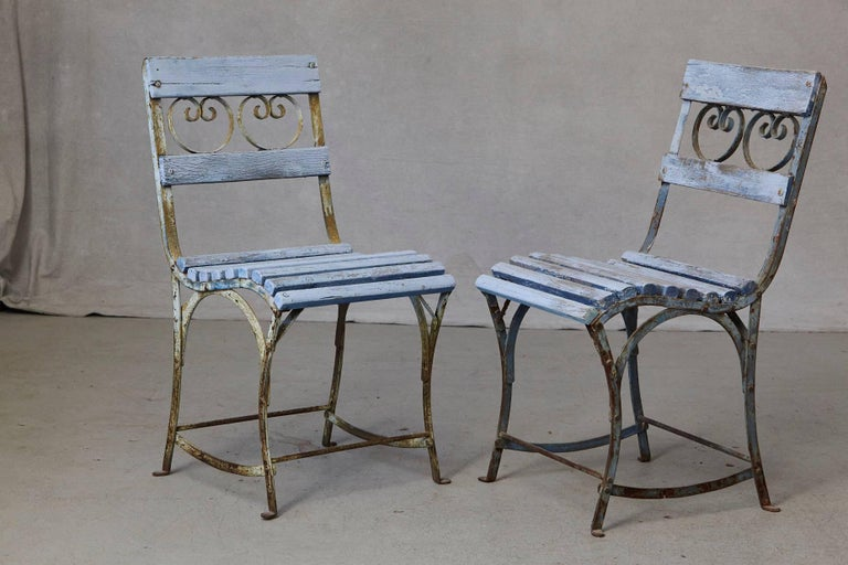 Set of Four French Wrought Iron Garden Chairs with Blue Wooden Slats For Sale 1