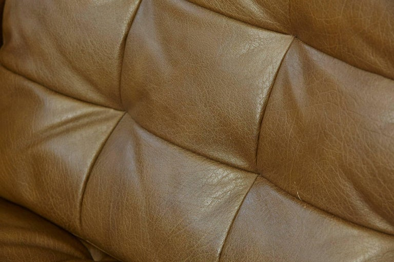 Steel Florence Knoll Tan Leather Button Tufted Lounge Chair, 1970s For Sale