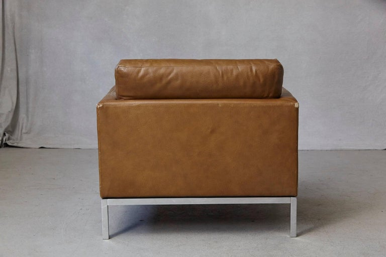 Florence Knoll Tan Leather Button Tufted Lounge Chair, 1970s For Sale 3