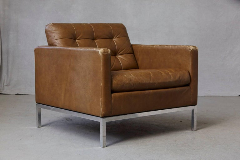 Florence Knoll Tan Leather Button Tufted Lounge Chair, 1970s For Sale 5