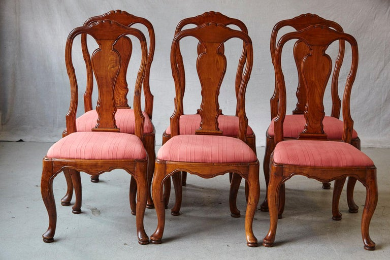 19th Century Set of Six Louis XIV French Country Style Carved Walnut Chairs In Good Condition For Sale In Westport, CT