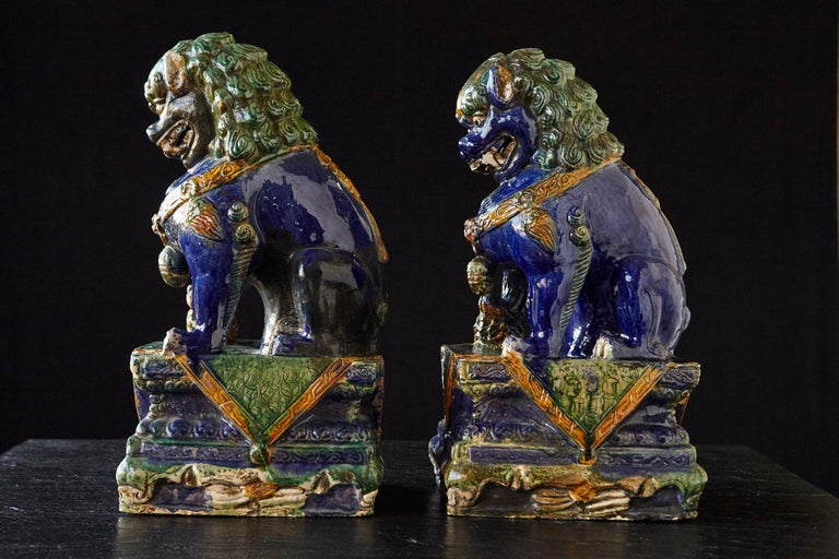 Late 19th Century Set of Two Large Chinese Sancai Glaze Foo Dogs In Excellent Condition For Sale In Westport, CT
