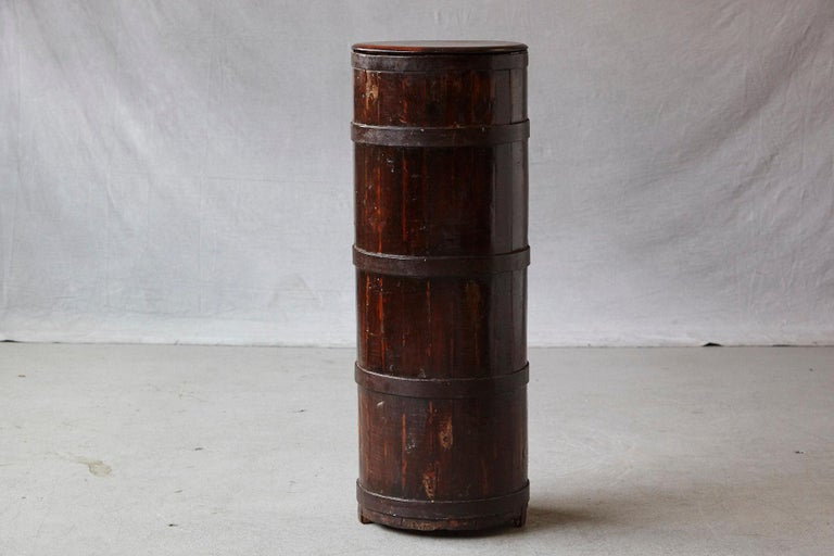 Late 19th Century Tall Chinese Fir Barrel from Zhejiang, circa 1870s In Good Condition For Sale In Westport, CT