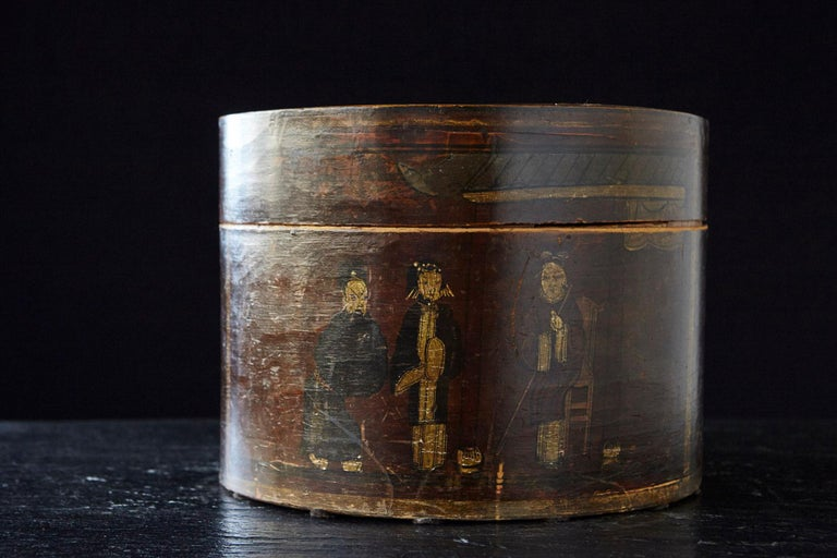 Chinese Export Late 19th Century Chinese Hand-Painted Round Wooden Hat Box For Sale