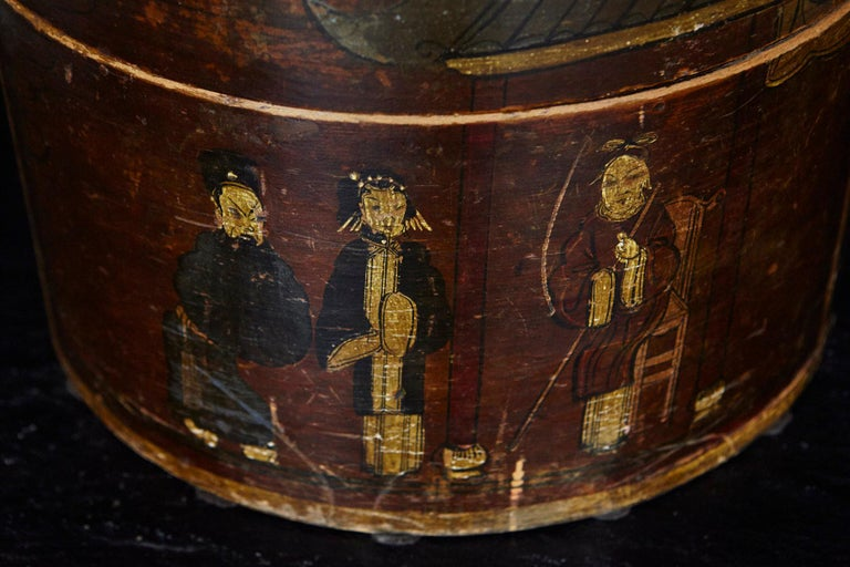 Gilt Late 19th Century Chinese Hand-Painted Round Wooden Hat Box For Sale
