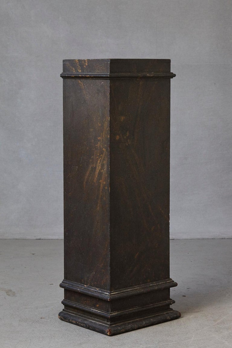 Wood 19th Century Swedish Hand-Painted Pedestal with Faux Marbleized Pattern For Sale
