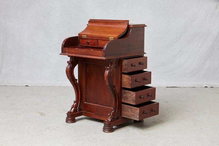 20th Century Walnut Piano Top Davenport Desk In Good Condition For Sale In Westport, CT
