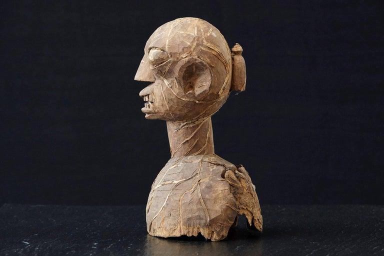 Nigerian Wooden Head of an Ooni of Ile-Ife, Yoruba People, Nigeria, circa 1930s For Sale