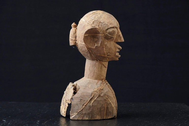 20th Century Wooden Head of an Ooni of Ile-Ife, Yoruba People, Nigeria, circa 1930s For Sale