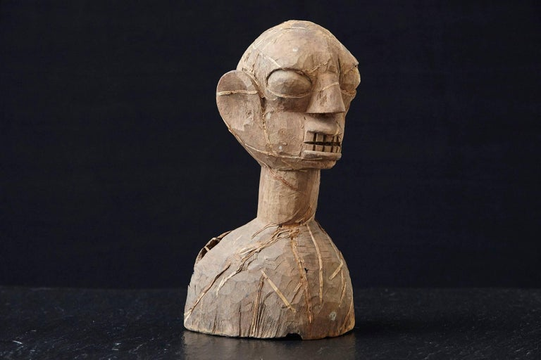 Wooden Head of an Ooni of Ile-Ife, Yoruba People, Nigeria, circa 1930s In Good Condition For Sale In Westport, CT