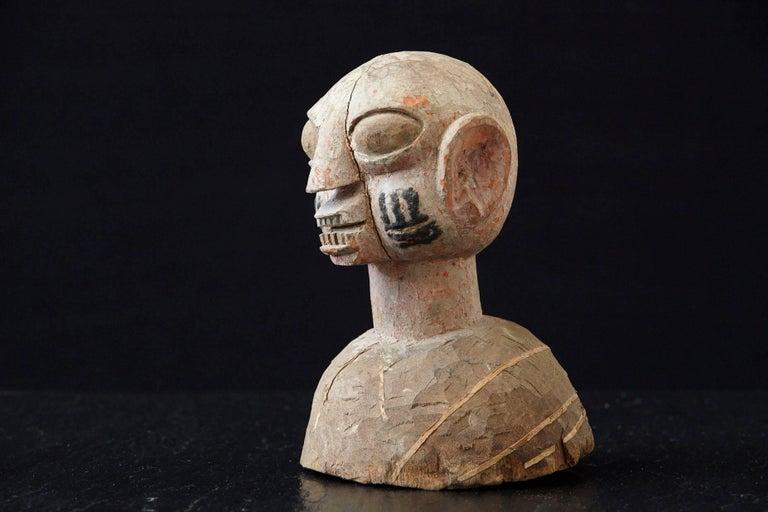 Tribal Wooden Head of a Wife of an Ooni of Ile-Ife, Yoruba People, Nigeria, circa 1930s For Sale