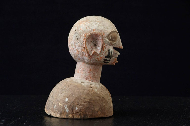 Wooden Head of a Wife of an Ooni of Ile-Ife, Yoruba People, Nigeria, circa 1930s In Good Condition For Sale In Westport, CT