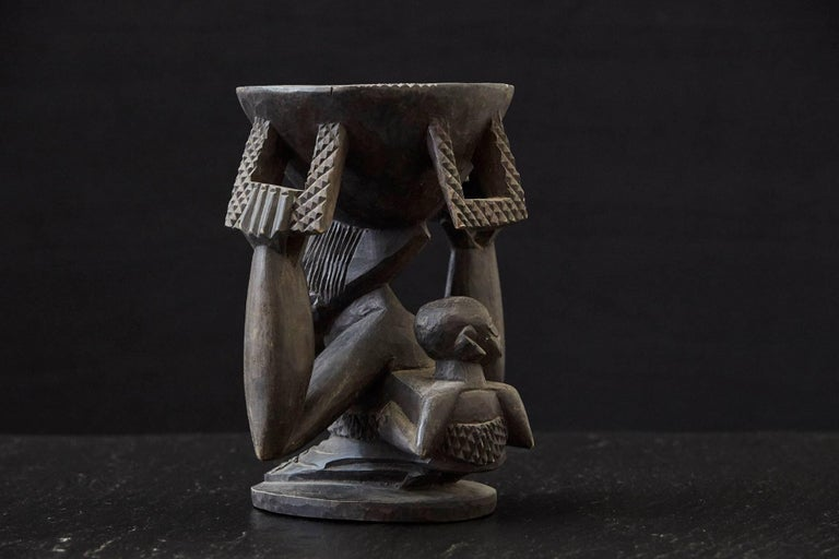 Nigerian Woman Carrying Baby in a Papoose, Kola Nut Holder from Abeokuta, Nigeria, 1950s For Sale