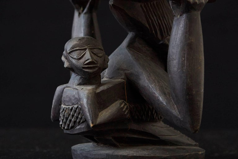 20th Century Woman Carrying Baby in a Papoose, Kola Nut Holder from Abeokuta, Nigeria, 1950s For Sale