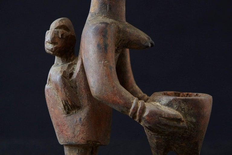 Woman Sacrificing Holding Offering Bowl, Yoruba People, Nigeria, 1940s In Good Condition For Sale In Westport, CT