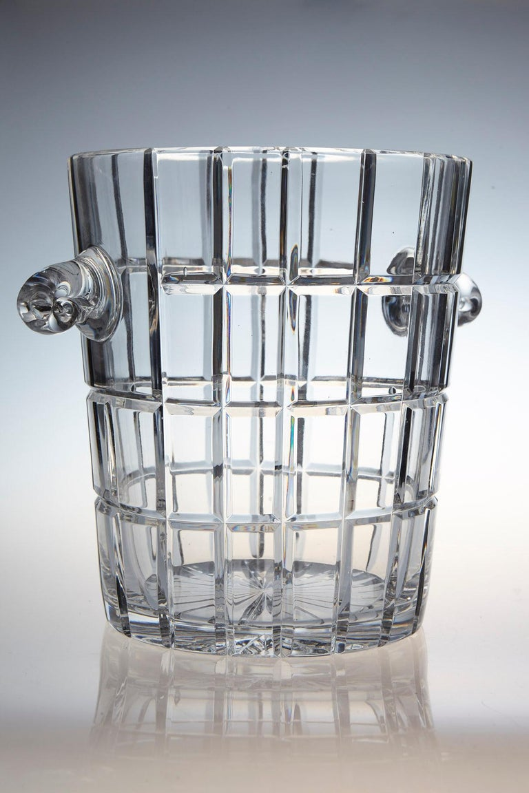 Mid-Century Modern French Cut Crystal Wine Cooler or Champagne Ice Bucket with Handles, circa 1960s For Sale