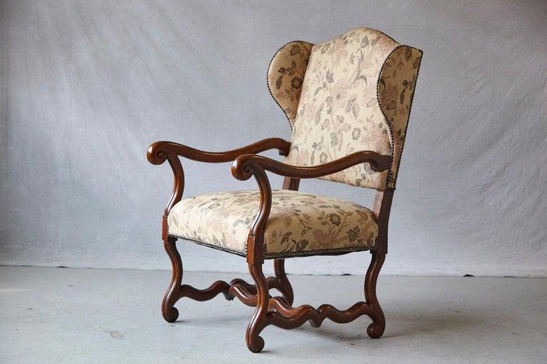 Pair of Louis XIV Style, Os de Mouton, Walnut Wingback Fauteuils For Sale 1