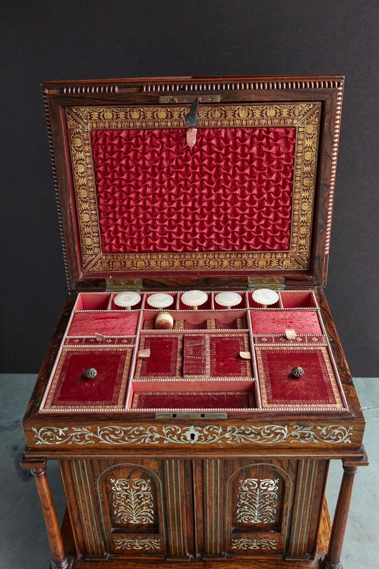 Important William IV Rosewood & Mother of Pearl Inlaid Lady's Table Compendium For Sale 8