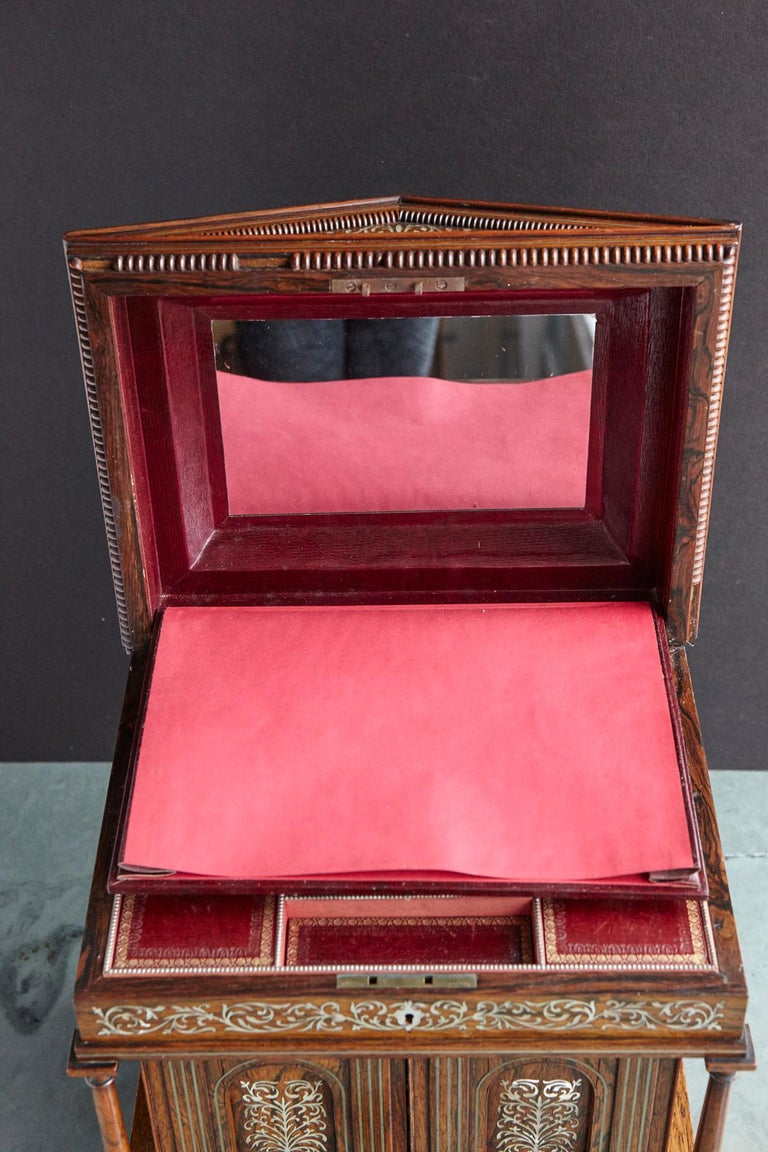 Important William IV Rosewood & Mother of Pearl Inlaid Lady's Table Compendium For Sale 12