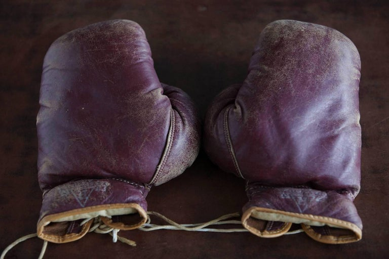 Original Leather Boxing Gloves by George a Reach Sporting Company, 1930s In Good Condition For Sale In Weston, CT