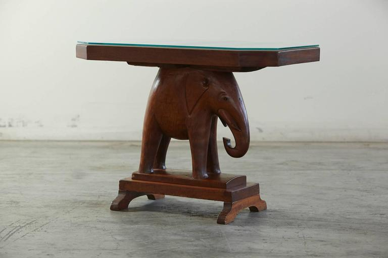 Mid-20th Century Nigerian Mahogany End Table with Carved Elephant Base, circa 1940s For Sale