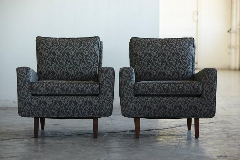 Mid-Century Modern Pair of Early Florence Knoll Lounge Chairs from 1967, Reupholstered in the 1980s For Sale