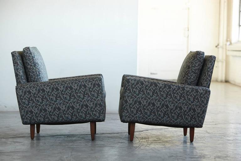 American Pair of Early Florence Knoll Lounge Chairs from 1967, Reupholstered in the 1980s For Sale