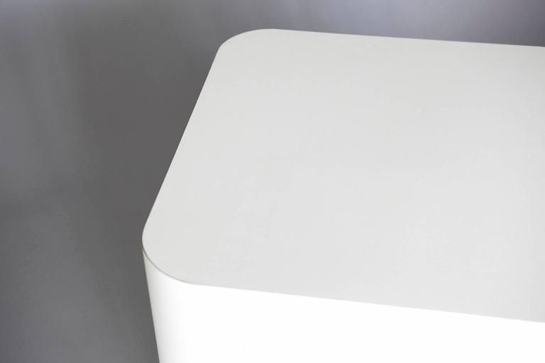 Late 20th Century Custom Made White Laminate Cubic End Table or Pedestal, Large For Sale